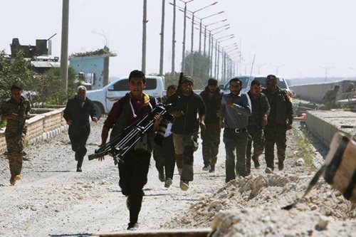 Syrian rebels seize swathes of south as Islamic State retreats