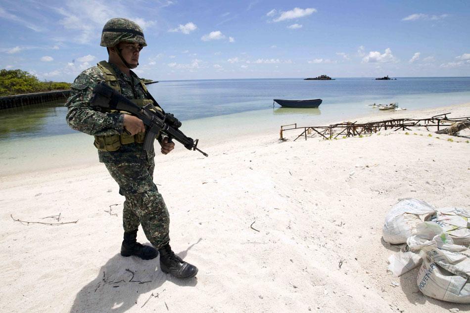 Gov't mulls review of PH-US defense treaty scope 1