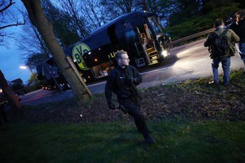Blasts hit Borussia Dortmund team bus, leaving player hurt
