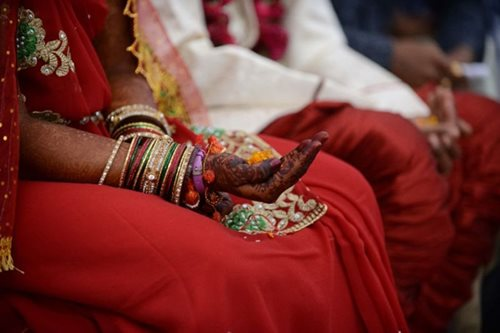 India brides get wooden paddles to beat drunk husbands