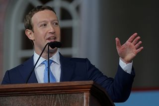 Facebook's Zuckerberg seeks forgiveness for causing division