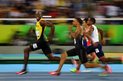 Bolt on right path to world 100m defense