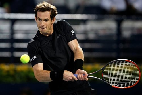 Murray dominant on return but Wawrinka dumped out
