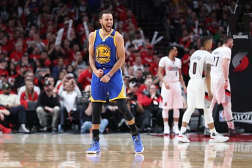 NBA: Curry inks $200 million deal with Warriors - report