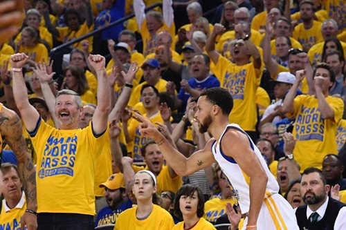 NBA: Warriors rip Jazz in second-round opener