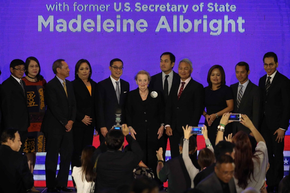 Albright with ABS-CBN executives