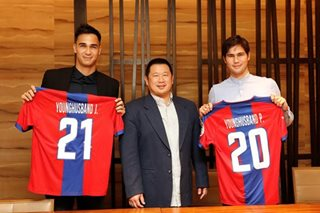LOOK: Younghusbands officially sign with Davao Aguilas