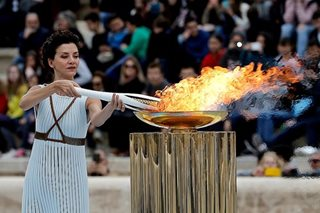 Pyeongchang receives Olympic flame for 2018 Winter Games