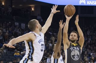 NBA: Curry dazzles in return for Warriors; Jazz sink Cavs