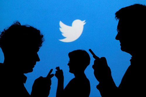 Twitter drops egg icon in battle with internet 'trolls'