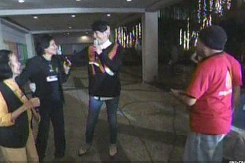 WATCH: Vice Ganda grants Christmas wish of old couple