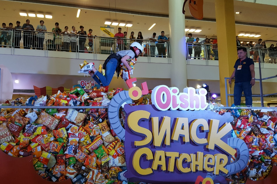 LOOK: It's raining Oishi snacks and drinks in Alabang