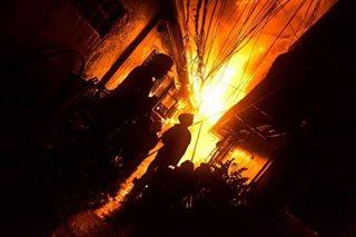 Manila fire razes 100 homes