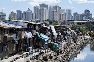 Half of Pinoys consider themselves poor: SWS