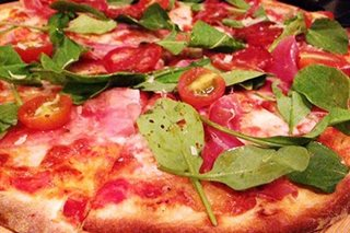 Naples pizza-twirling seeks nod as UNESCO 'intangible'