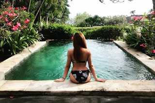 LOOK: Morissette shows off her backside in a bikini as she relaxes in Bali