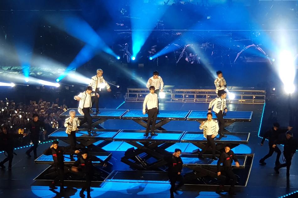 RECAP: EXO brings fans to 'paradise' in Manila concert | ABS