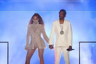 After brief wait, Beyonce, Jay-Z take album to Spotify