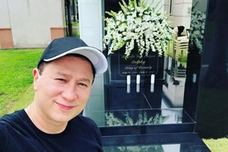 LOOK: Eric Quizon visits dad Dolphy's 'new home'