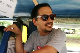 John Lloyd Cruz spotted sa isang jeep sa Quezon City