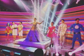WATCH: Vice Ganda, Amy Perez in inspiring 'Magpasikat' performance