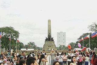 Rizal Park, dinagsa sa unang araw ng 2018