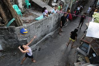 Volley at an alley