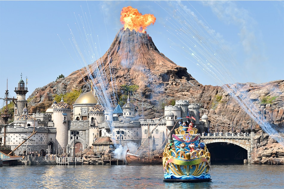 Gorgeous Tangled Themed Guest Rooms At Tokyo Disneyland: Let It Grow: Tokyo DisneySea Adds 'Frozen' In $2.3-billion