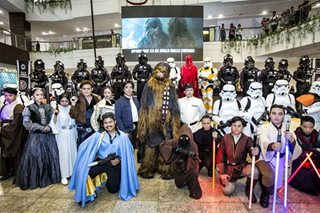 LOOK: Star Wars fans don costumes at 'Solo' screening
