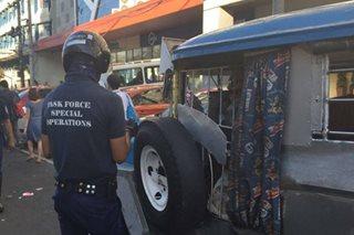 Illegal terminal ng mga jeep sa West Avenue, sinampolan ng MMDA