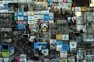 Higit 2 milyon, bumisita sa mga sementeryo sa Kamaynilaan ngayong Undas