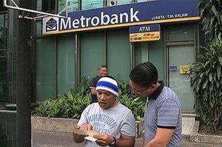 Ilang depositor, di pa rin mabawi ang perang 'nawala' sa bank account