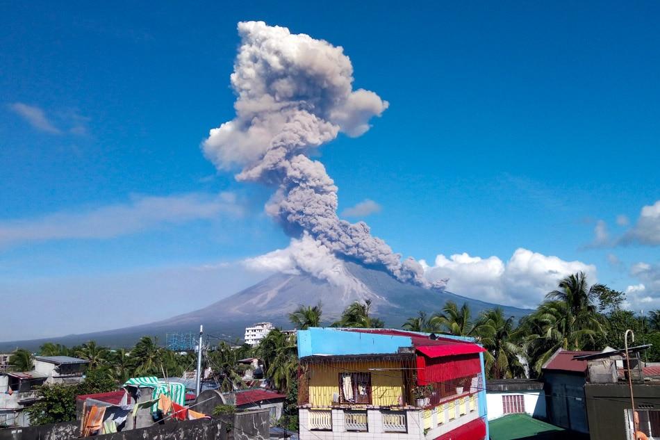 Phivolcs: Mga pagsabog sa Mayon, hindi pa tapos