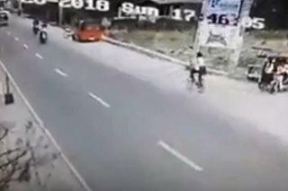 SAPUL SA CCTV: Salpukan ng 2 motorsiklo sa Pangasinan