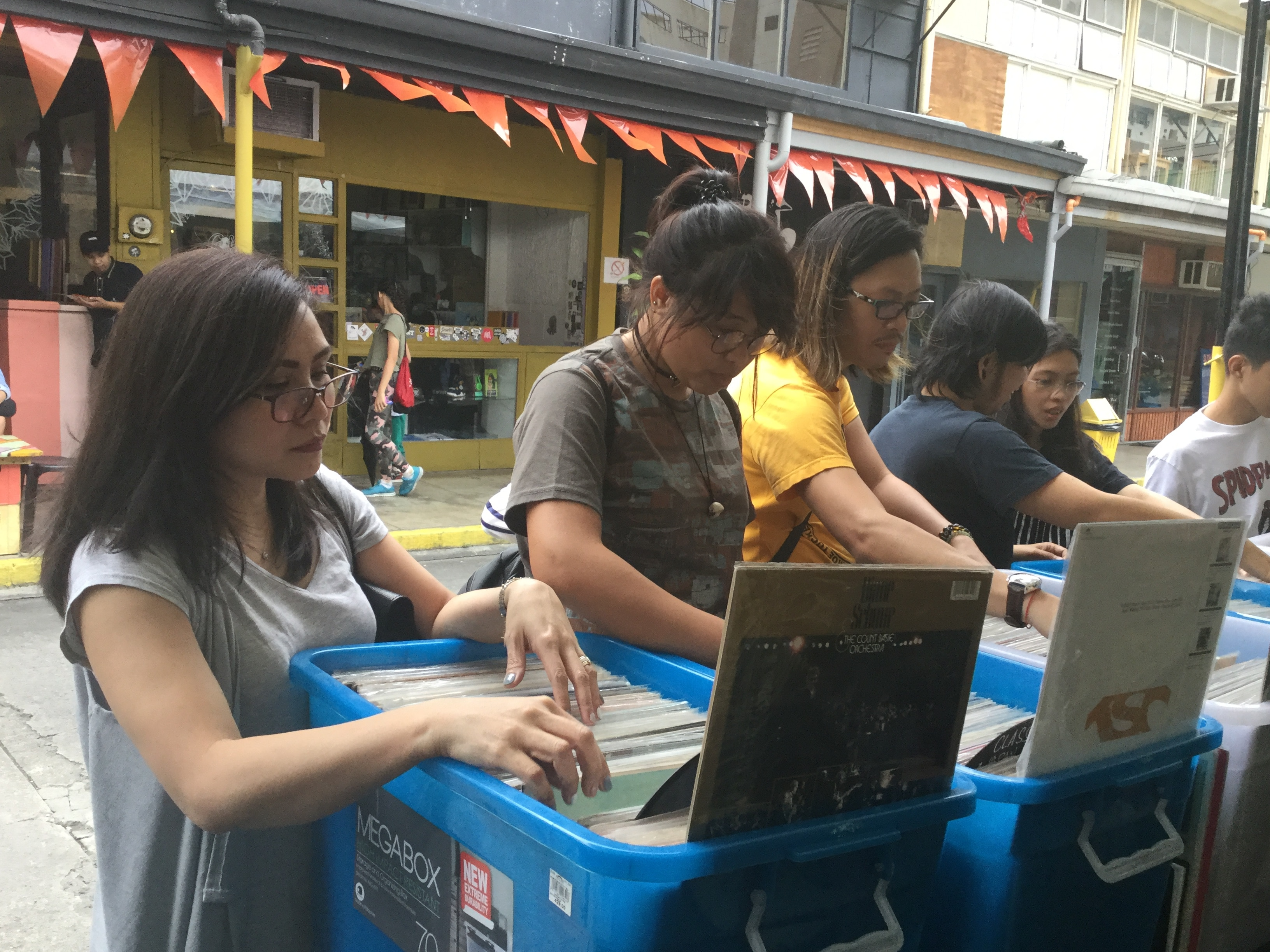 Cubao X Vinyl Sale Draws Younger Crowd More Women Abs