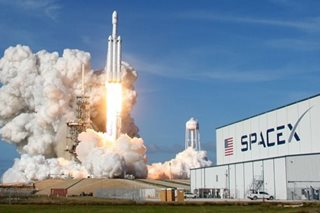 SpaceX's Falcon Heavy rocket soars in debut test launch from Florida