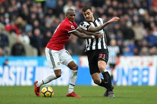 Joy for Benitez as Newcastle stun Mourinho's United