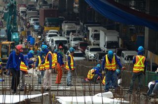100,000 construction workers, sasanayin ng TESDA para sa 'Build, Build, Build'