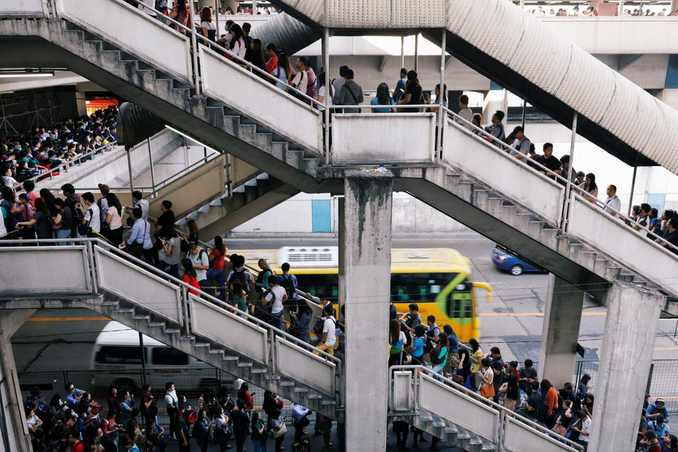 A very long MRT queue