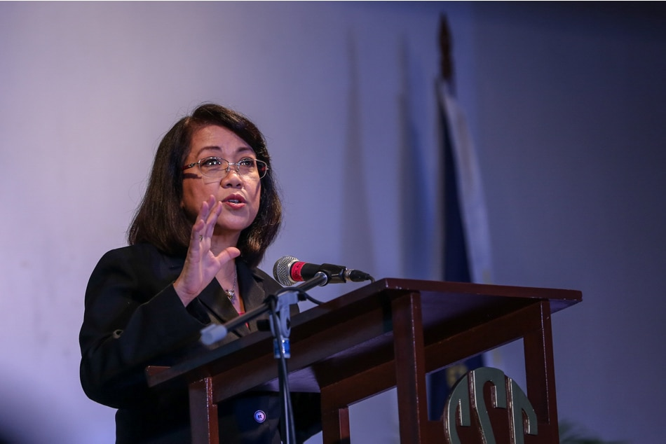 Calls for Philippine chief justice to resign