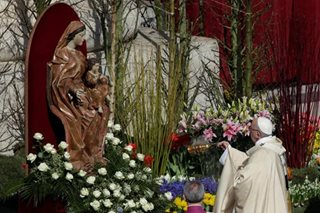Pope Francis leads Easter rites