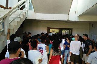 Pamimigay ng ID sa mga residente ng Boracay, ipinahinto muna