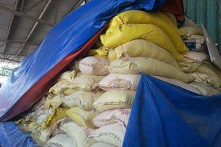 Mga sako ng 'smuggled' na bigas, ipinapabaon na ng Customs sa Tacloban