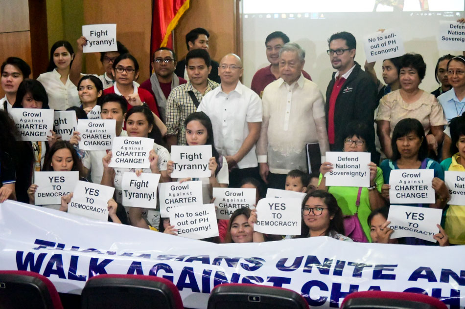 Thomasians against charter change