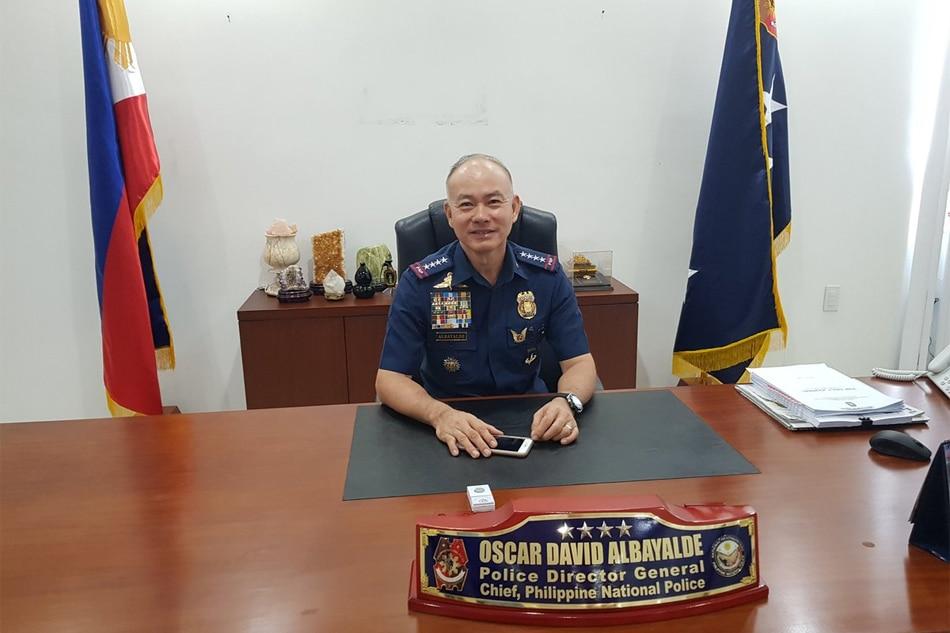 PNP chief, nagbabala sa mga pulis na reklamador sa social media