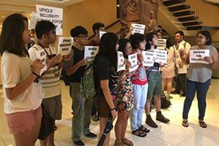 UP disqualifies 2 graduating students from Collegian editorial exams; student journos protest