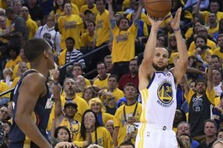 Curry leads Warriors romp past Pelicans
