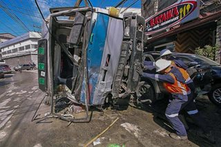 Truck sideswipes 10 vehicles in Baguio