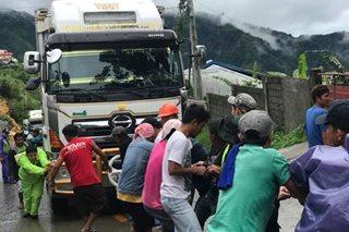 Trapik sa Benguet sumikip dahil sa mga stranded na truck