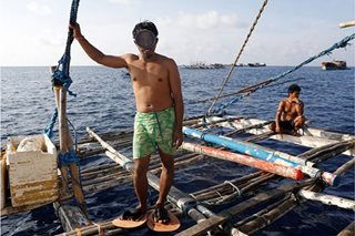 China says it's allowing Pinoy fishermen in Panatag 'out of goodwill'